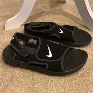 Nike youth Velcro sandals